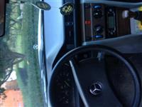 Mercedes-Benz D200