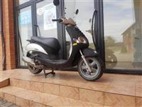 Shes   skuter  yamaha 125cc