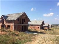 LINA-SHITEN 5 shtëpi me nga 5ari oborr në Llojza