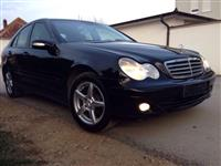 Shes Mercedes  C 200