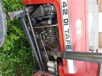 traktor TAFE 42