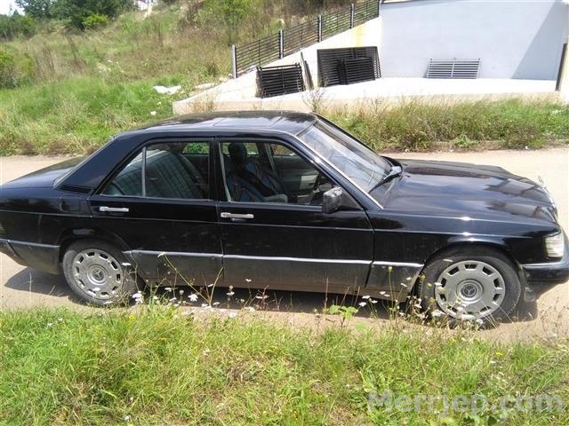 Mercedes-190-ne-gjendje-te-rregullt