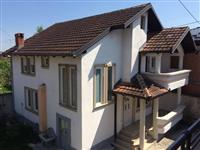Shiten dy shtepi ne Peje 109000 euro