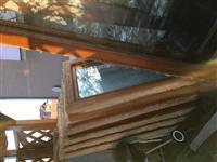 Dyr e dritare
