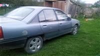Opel omeg 2.0 benzin