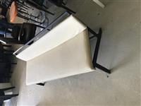 Karrika dhe Tavolina te perdorura