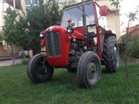 Traktor i ri