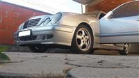 Mercedes 220 -01