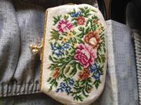 Kulet Antike punim dore per femra belgjik