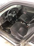 Shitet vetura Saab urgjentisht