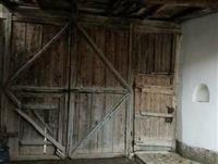 Shitet dera mbi 100 vite e vjeter