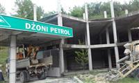 Pumpa sa zgradom