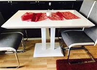 Tavolina dhe 6 karriga ne Shitje