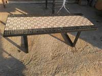 Tavolina  prej zvicerres