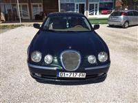 Shitet Jaguar 3.0V6 viti 2000