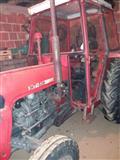 Shitet traktori ferguson 539