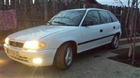 Shess-Ndrroj: Opel Astra 1.4 + 1 e hujt per pjese