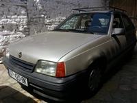 Shes veturen Opel Kadet 1.5 tdi