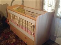 Krevet per femi te vegjel