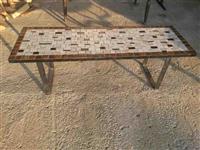 Tavolina nga zvicerra
