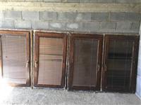 Dritaret nga druri te perdorura