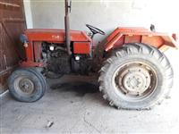 Shitet Traktori 558