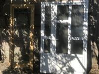 Dyer dhe dritare