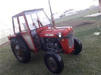 Shitet traktori 39