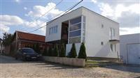 LINA-Shitet shtëpia me 3+3 ari në Rr Adem Gllavica