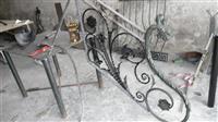 gilindera dhe dyr nga metali