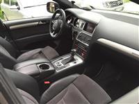 Audi Q7 -12