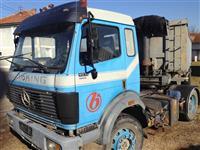 Kamion mercedes benz 19-31