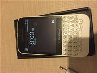 Black Berry Q5