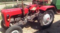 Shes Traktorin Masey Ferguson 135 me Ram koplet