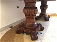 Tavolinë druri