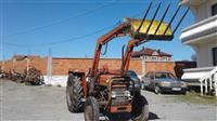 Traktor Massey Ferguson 148