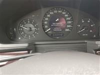 Mercedes Benz CDI 220