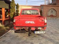 Shitet Gjipi Opel Campo