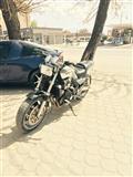 shitet motorri yamaha 750