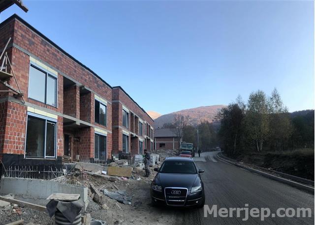 -Shitet-apartamenti-86m2-në-Brezovic-afër-Pine--