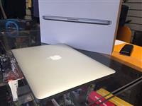 Apple macbook pro core i7 2016
