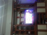 Shes Tv dhe komodin sebashku me nje Cmim