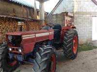 Traktor dhe mashine e druve