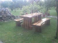 Tavolina dekorative te punuara nga druri