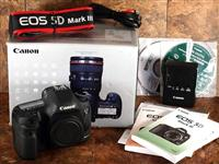 Canon EOS 5D Mark III 22.3 MP Full Frame CMOS Digi