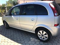 Shitet Opel Meriva
