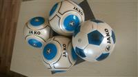 Shes topa te futbollit me kualitet
