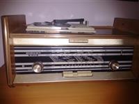 Shitet Radio Deluxe e vitit 70 me llampa