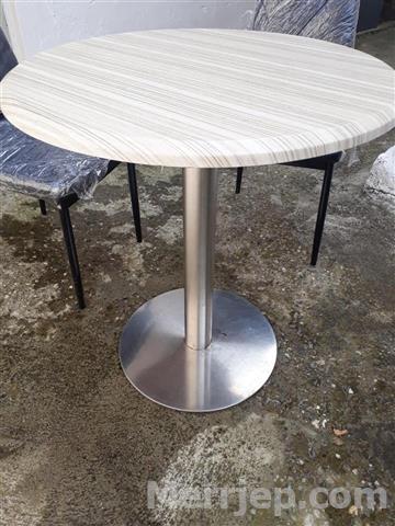 Shiten-Karriga-Dhe-Tavolina