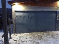 Dyr per garazh